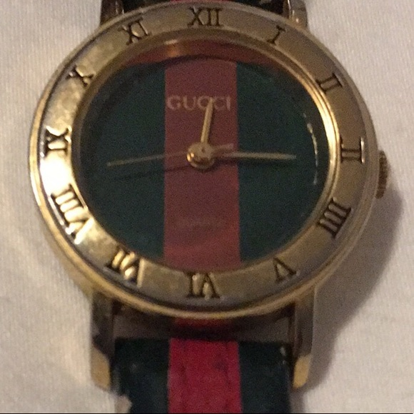 557a3ba3be2 Authentic Vintage Gucci Watch with Genuine Leather.  M 5b0f80408290afa24f2b918c